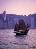 Chinese Junk, Victoria Harbour, Hong Kong, China Stampa fotografica di Rex Butcher