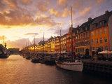 Nyhavn Harbour, Kopenhagen, Dänemark Fotodruck von Jon Arnold