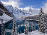 Wenkchemna Peaks and Moraine Lake, Banff National Park, Alberta, Canada Reproduction photographique par Gavin Hellier