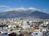 Pichincha Volcano and Quito Skyline, Ecuador Fotografie-Druck von John Coletti
