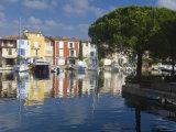 Port Grimaud, Nr St Tropez, Cote d'Azur, France Fotografie-Druck von Peter Adams
