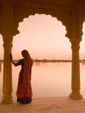 Woman Wearing Sari, Jaisalmer, Rajasthan, India Photographic Print by Doug Pearson