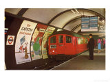 1960's Tube Train in Piccadilly Circus Station Giclee Print
