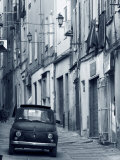Fiat Driving in Narrow Street, Sassari, Sardinia, Italy Lmina fotogrfica por Doug Pearson