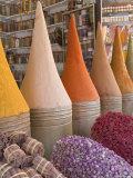 Spices in Market, Mellah District, Marrakesh, Morocco Fotografisk tryk af Gavin Hellier