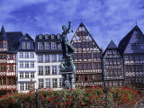 Statue, Garden and Building Facade, Frankfurt, Germany Fotodruck von Peter Adams