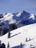 Distant View of Downhill Skiers, Vail, CO Fotografisk trykk av Jack Affleck