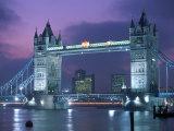 Tower Bridge at Night, London, UK Fotografie-Druck von Peter Adams