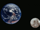 Earth and the Moon Seen from Space Fotodruck von Arnie Rosner