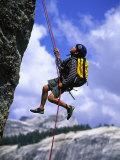 Boy Rock Climbing, California Photographie par Greg Epperson