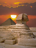 Sphinx and Pyramid at Sunset Fotografisk tryk