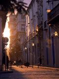 The Streets of Old Havana, Cuba Fotografisk tryk af Dan Gair