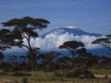 Kenya, Mount Kilimanjaro Photographie par Michele Burgess