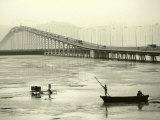 Fishing Near Bridge, Macau, China Photographie par Kindra Clineff