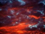 Kyle Krause - Clouds in Red Sky, Truckee, CA Fotografická reprodukce
