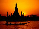 Templo da madrugada em Bangkok, Tailândia Impressão fotográfica por David Marshall