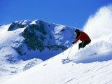 Man som åker skidor i Breckenridge Resort, Colorado, USA Fotografiskt tryck av Bob Winsett