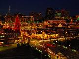 Kansas City Plaza, at Christmas, Missouri Reproduction photographique par John Dominis