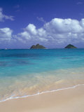 Cloud Filled Sky Over Blue Sea, Lanikai, Oahu, HI Photographie par Mitch Diamond