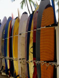 Surfboards, Waikiki Beach Oahu, Hawaii Photographie par Mark Polott