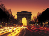 Paris, France, Arc De Triomphe at Night Fotografie-Druck von Peter Adams