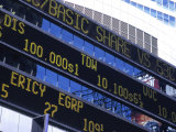 Stock Quotes on Building, Times Square, NYC Impressão fotográfica por Ellen Kamp