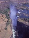 Victoria Falls in Zimbabwe Fotografisk tryk af Frank Perkins