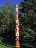 Totem Bright Historic Park, Ketchikan, AK Photographic Print by Frank Perkins