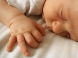 Sleeping Baby Fotografie-Druck von Chris Lowe