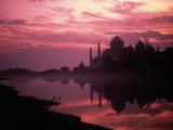 Silhouette du Taj Mahal, Agra, Inde Photographie par Mitch Diamond