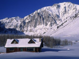 Cabin in Snow, Convict Lake, Sierra NV Mts, CA Fotografisk tryk af Charles Benes