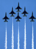 Fighter Jets in Formation Impressão fotográfica por Tim Lynch