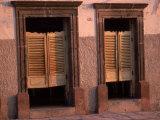 Saloon Doors, San Miguel, Mexico Fotografisk tryk af Dan Gair