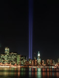 World Trade Center Memorial Lights, New York City Photographie par Rudi Von Briel