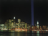 World Trade Center Memorial Lights, New York City Photographie par Rudi Von Briel