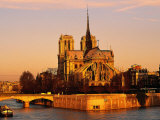Morning Light on Notre Dame, Paris, France Lámina fotográfica por Walter Bibikow