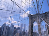 Brooklyn Bridge with World Trade Center Towers Photographie par Shmuel Thaler