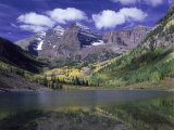Maroon Lake and Autumn Foliage, Maroon Bells, CO Photographic Print by David Carriere