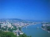 Aerial View of Gellert Hill, Budapest, Hungary Impressão fotográfica por David Ball