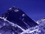 A Scenic View of Mount Everest Photographic Print by Tim Laman