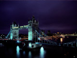 Night View of Tower Bridge, Which Spans the Thames River Fotografie-Druck von Richard Nowitz