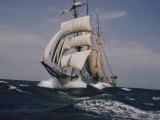 A Ship under Full Sail Fotografisk tryk af Joseph Baylor Roberts