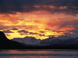 Sunset over Lowell Glacier, Alsek River, Alaska Stampa fotografica di David Edwards