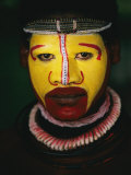 Close View of a Huli Wigmens Face Photographic Print by Jodi Cobb