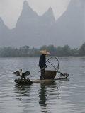 Cormorant Fisherman on the Li River Impressão fotográfica por Raymond Gehman