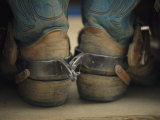 Primer plano de botas de vaquero con espuelas muy usadas Lámina fotográfica por Model, Bobby