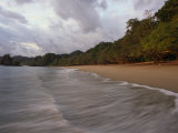 The Surf Upon the Beach in Manuel Antonio National Park in Costa Rica Photographie par Skip Brown