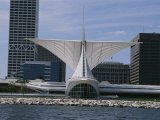 Exterior View of the Quadracci Pavilion at the Milwaukee Art Museum Fotografisk tryk af Paul Damien