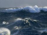 Grandes olas características del Océano Antártica que rodea la Antártida Lámina fotográfica por Stenzel, Maria