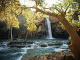 Scenic View of a Waterfall on Havasu Creek Lámina fotográfica por Garrett, W. E.